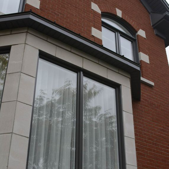 Hybrid casement and awning windows